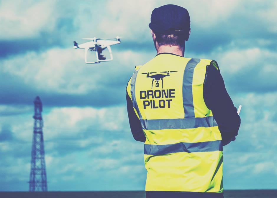 pilot drone dji phantom
